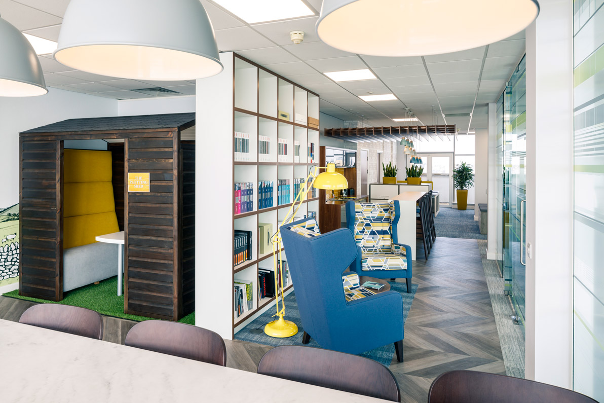 Example of breakout spaces in office design